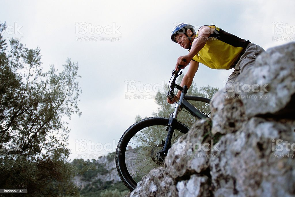 Maschio di mountain bike foto stock royalty-free