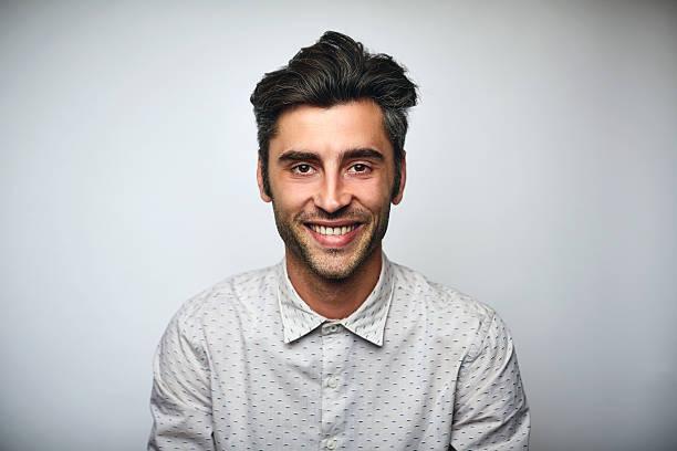 male professional smiling over white background - 30 34 jahre stock-fotos und bilder