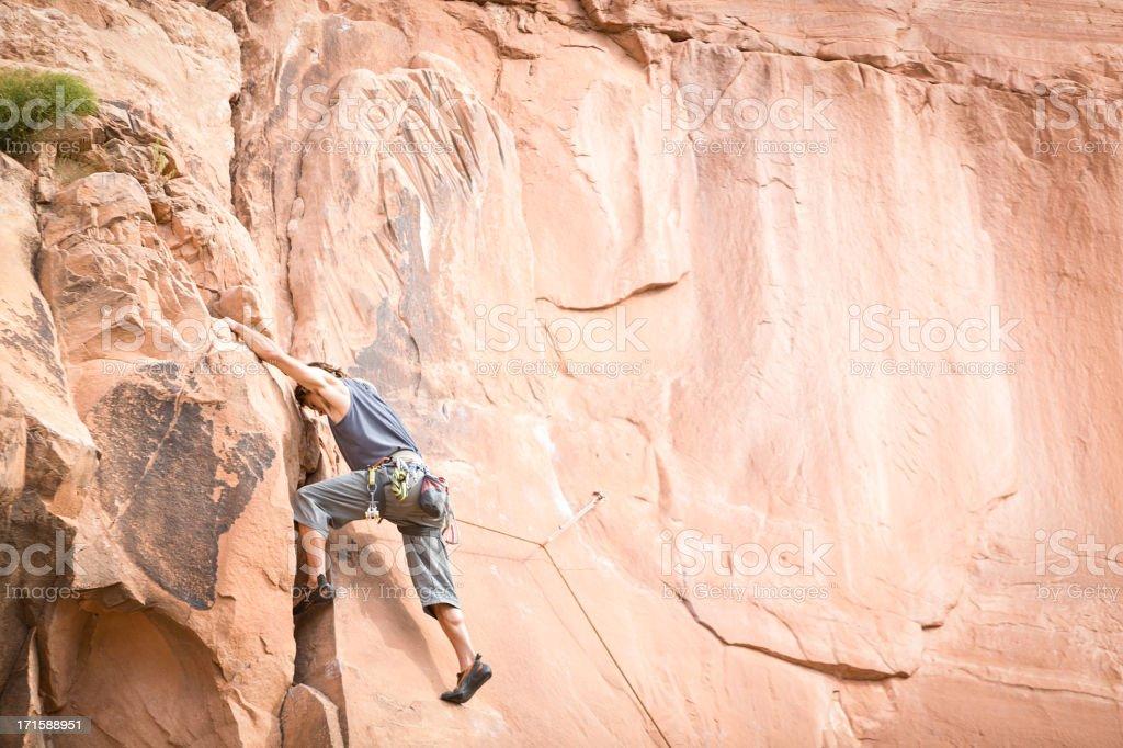 Macho Rock Climber en Moab Utah - foto de stock