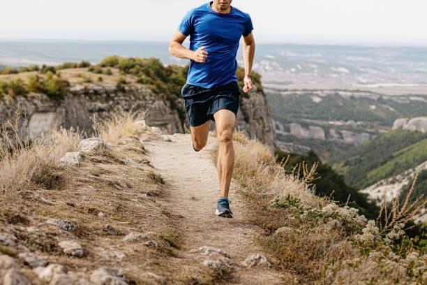 corredor masculino corriendo - foto de stock