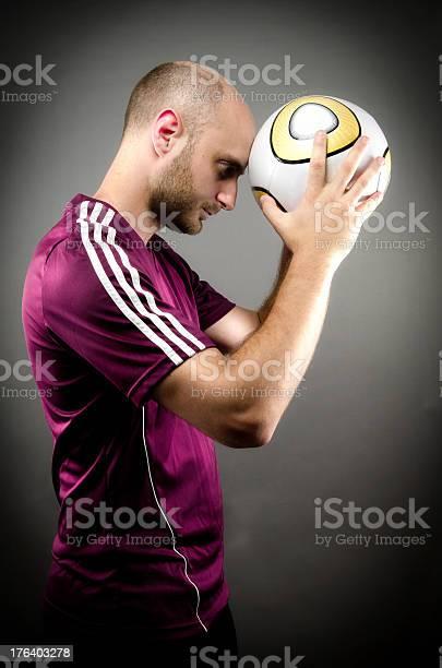 Male soccer player picture id176403278?b=1&k=6&m=176403278&s=612x612&h=1ssnnqc b 4sy4yxiauw2wzwioh5sbtjzhm9iezhg1k=