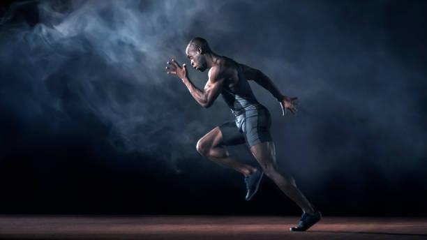実行している男性のスプリンター - 短距離走 ストックフォトと画像