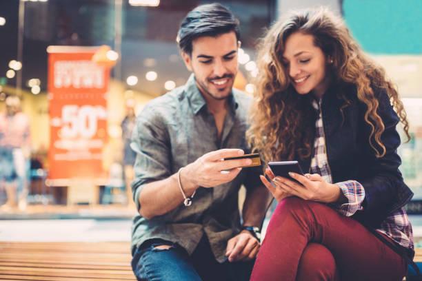 mall shopping - online shopping imagens e fotografias de stock