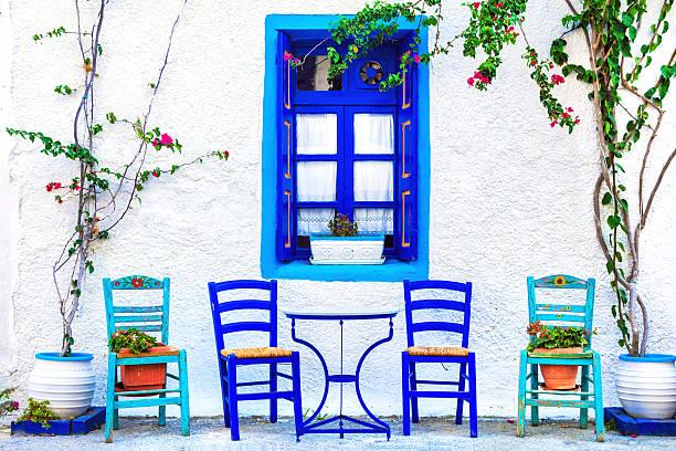s mall street tavernas, kos island - grece photos et images de collection