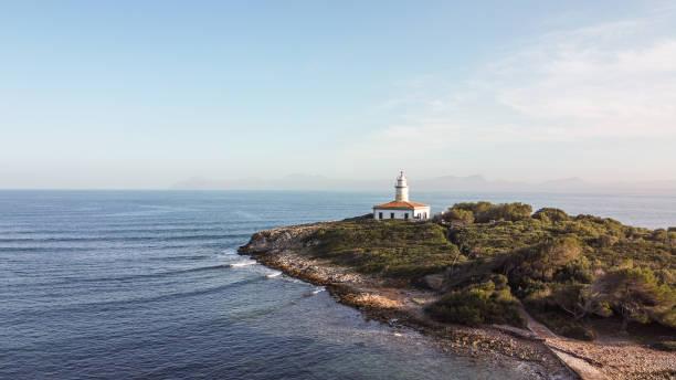 vista panorámica aérea de la costa de mallorca - pbsm fotografías e imágenes de stock