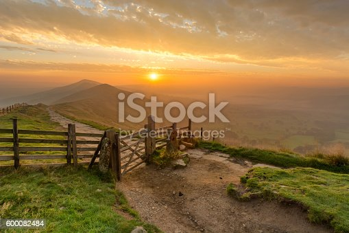 istock Mam Tor Wooden Gate In The Peak District. 600082484