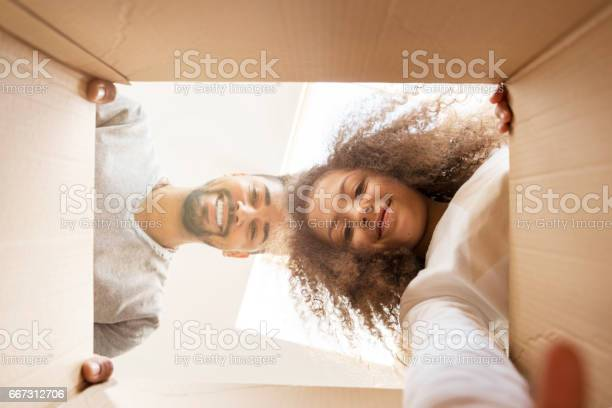 Man and a girl looking into a box picture id667312706?b=1&k=6&m=667312706&s=612x612&h=8ixl2voui1dqsblykzt2zurmq yqbms93owxzqrhj5e=