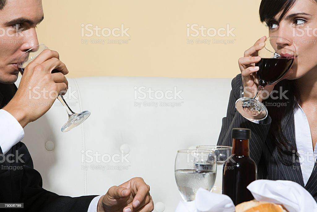 남자, 여자 술마시기 와인 royalty-free 스톡 사진