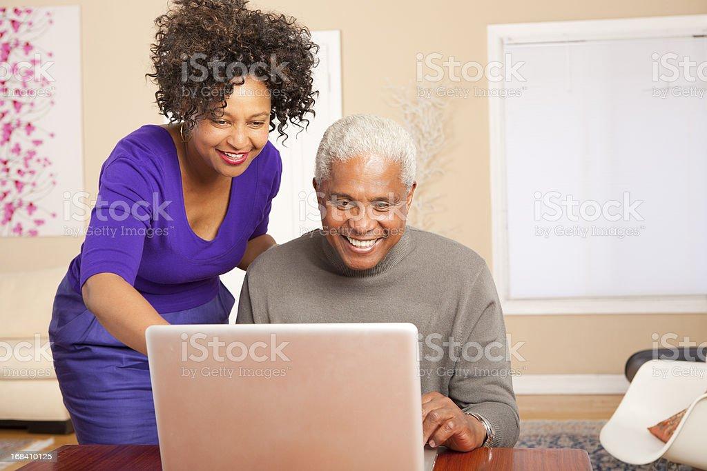 Genießen Sie den Computer – Foto