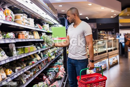 istock Man at supermarket 693280398