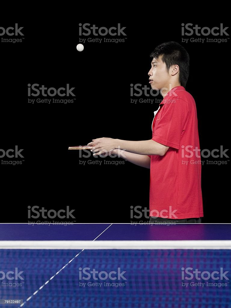 Man bouncing table tennis ball royalty-free 스톡 사진