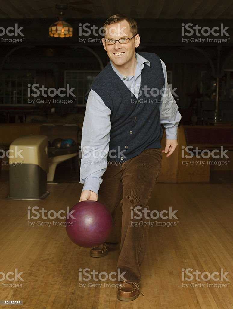 Man bowling 免版稅 stock photo
