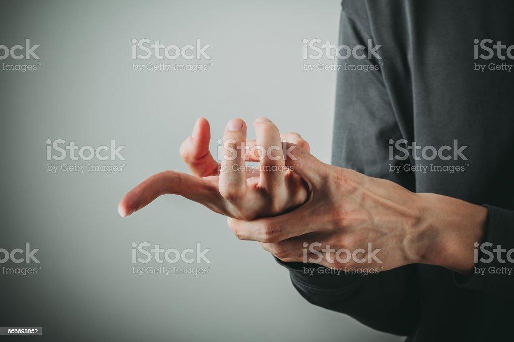 Gebrochener Finger Mann Stock-Fotografie und mehr Bilder von ...