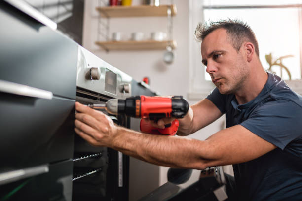 Man building kitchen and using a cordless drill picture id1004248608?b=1&k=6&m=1004248608&s=612x612&w=0&h=ejg7uowq6b2yl7fhsvehumkans0ajia3njoqzt tavk=