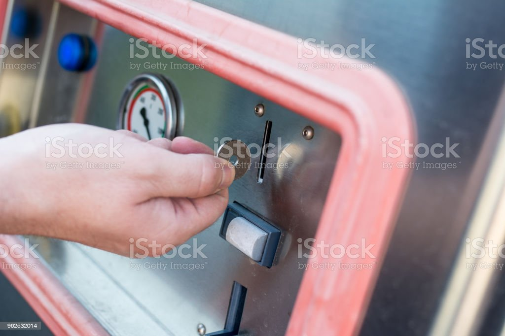 Man cleaning interior of his car - Royalty-free 30-39 Years Stock Photo