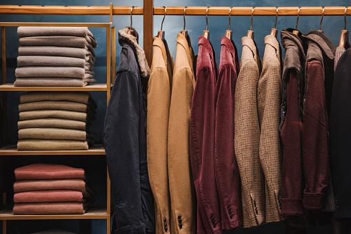 Mann Kleidung Stockfoto und mehr Bilder von Auslage