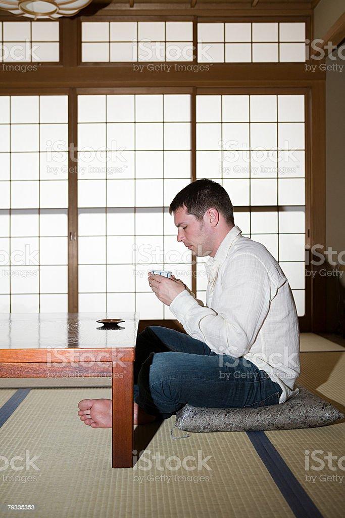 Man drinking tea in japan 免版稅 stock photo