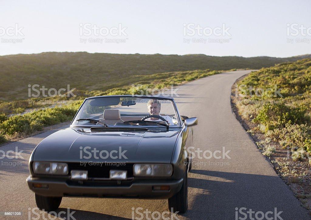 Mann driving Ärmeln – Foto