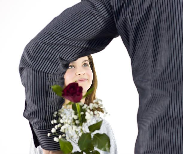 Mann Geschenk Das Mädchen Blumen – Foto