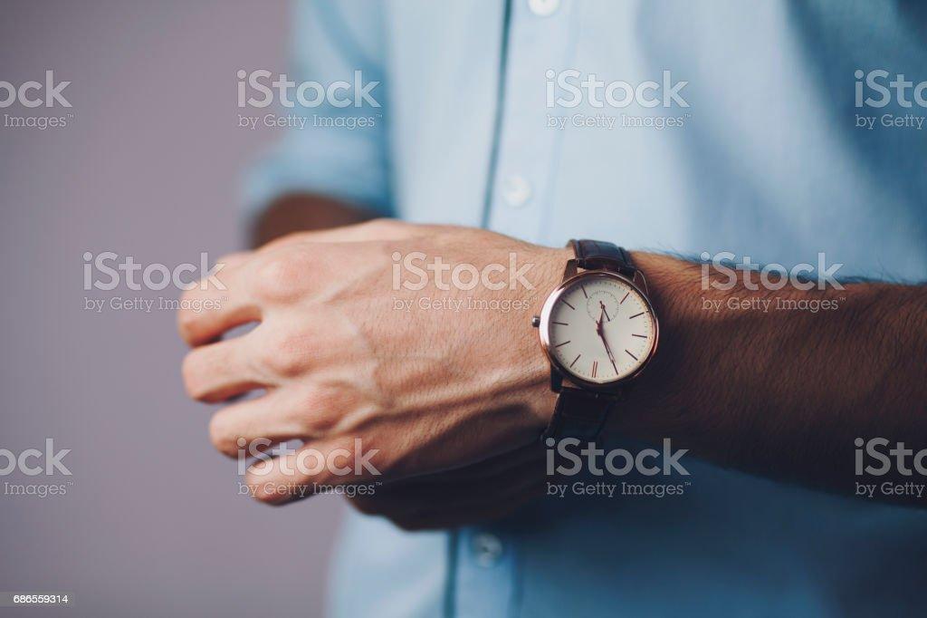 man hand watch photo libre de droits
