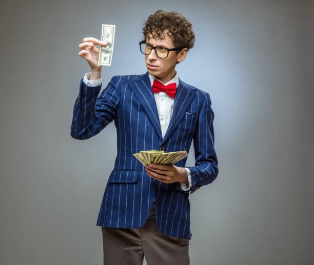 Mann, der Fan von Dollar-Banknoten – Foto