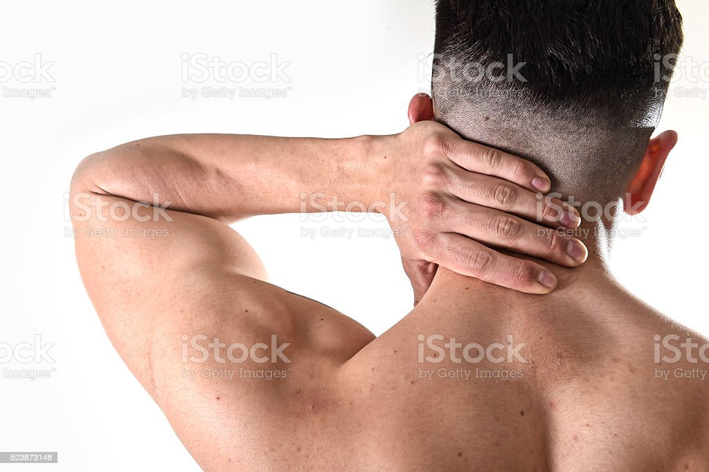 Hombre Que Agarra Dolor De Cuello Dolor Cervical De Masajes En El ...