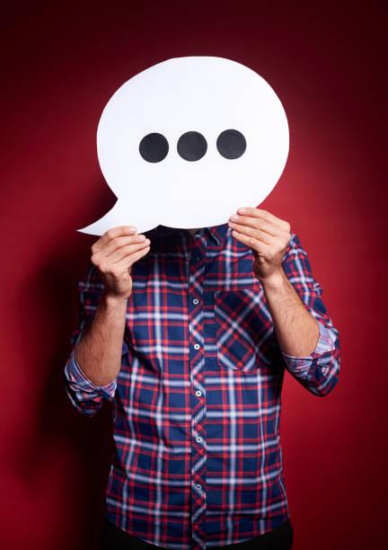 man met denken zeepbel voor zijn gezicht - verduisterd gezicht stockfoto's en -beelden