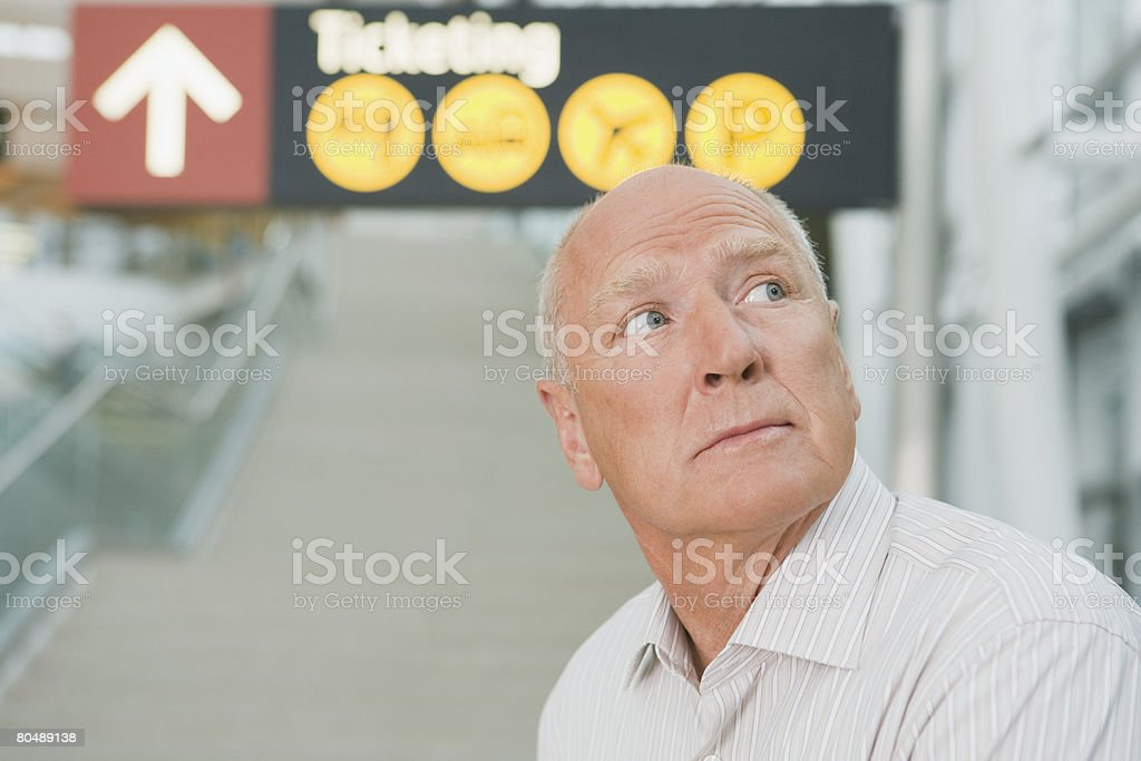 A man in an airport 免版稅 stock photo
