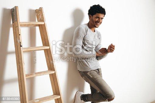 613542420 istock photo Man in blank heather gray clotching mockup set 613545392