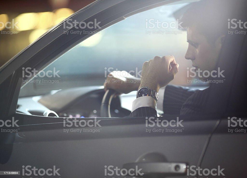 Mann im Auto. – Foto
