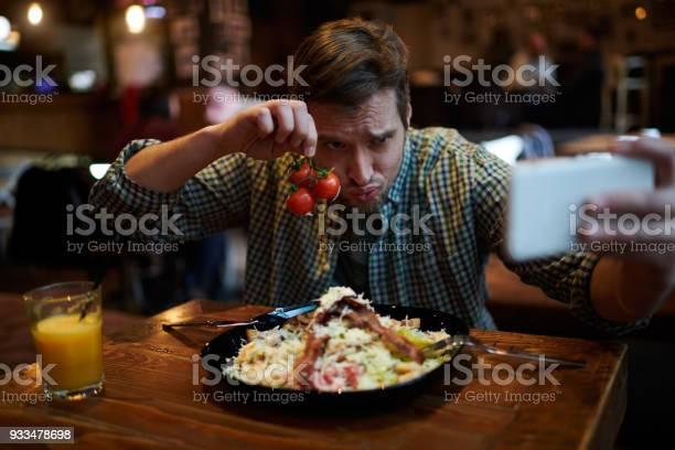 Man in coffee shop picture id933478698?b=1&k=6&m=933478698&s=612x612&h=wglmbmtemqoo78j0atkmhl8ouirhrn9oel51nqqsjbc=