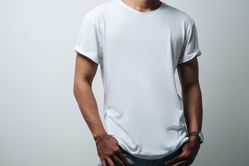 男性空白の T シャツホワイト - 1人のストックフォトや画像を多数ご用意