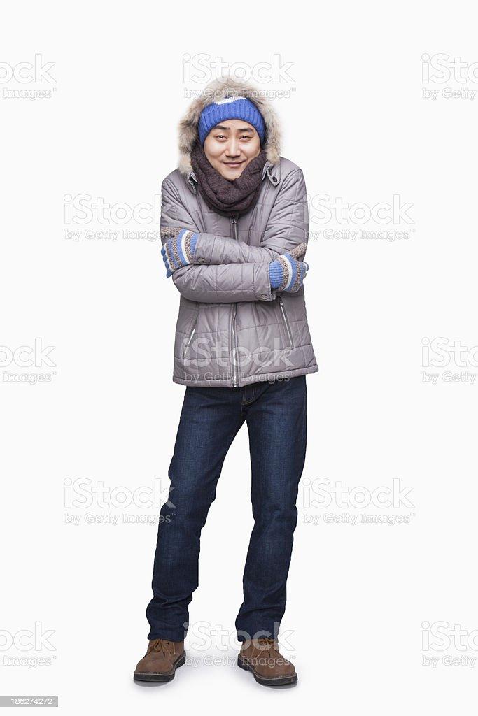Mann im winter Outfit Einfrieren – Foto