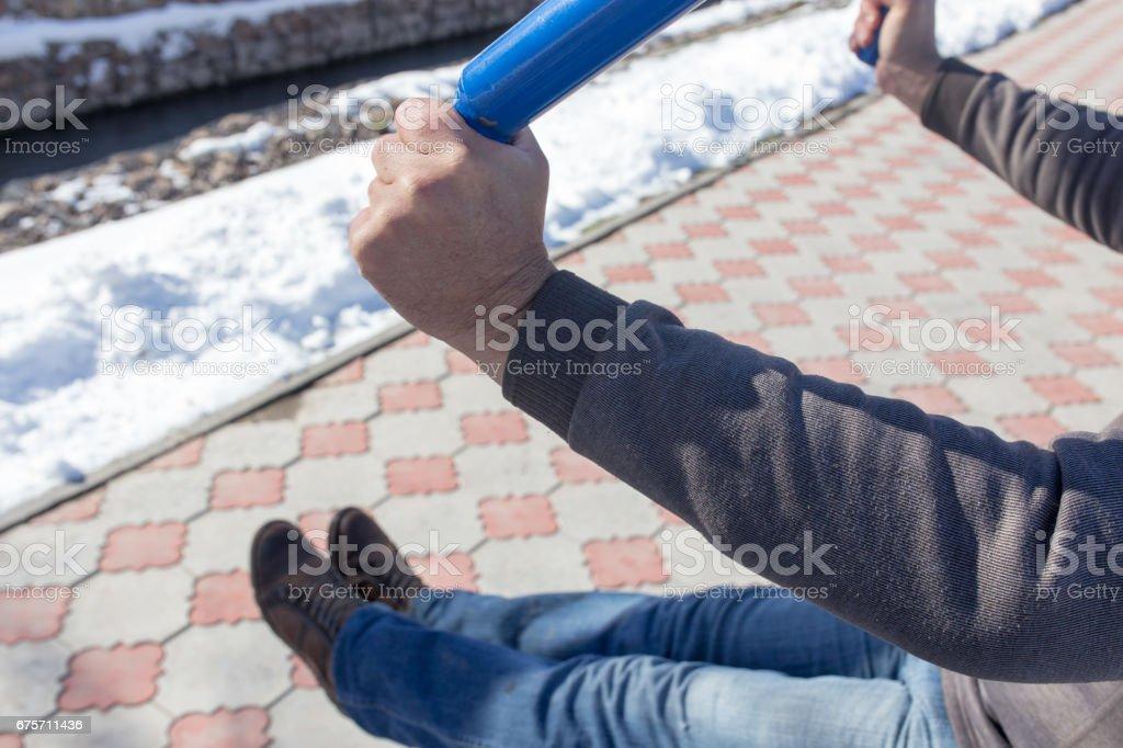 男人是在模擬器上從事性質 免版稅 stock photo