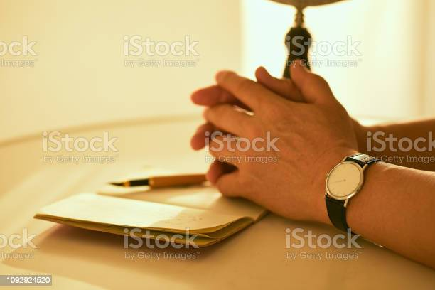 Man is hand crawling on the table with a fountain pen picture id1092924520?b=1&k=6&m=1092924520&s=612x612&h=gvl3gpezuromsrwhchmb5xlcdvm 2fyol7x 8yqvneo=
