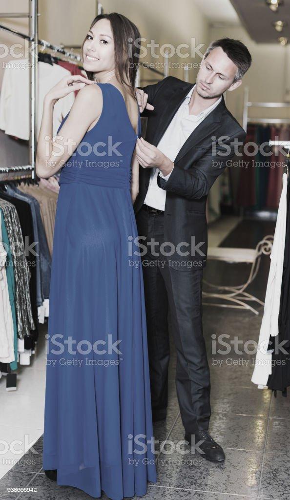 Kleid mann trägt Mein Mann