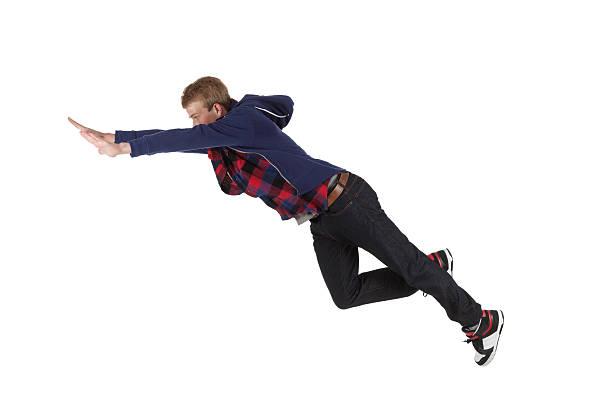 Homem pulando - foto de acervo
