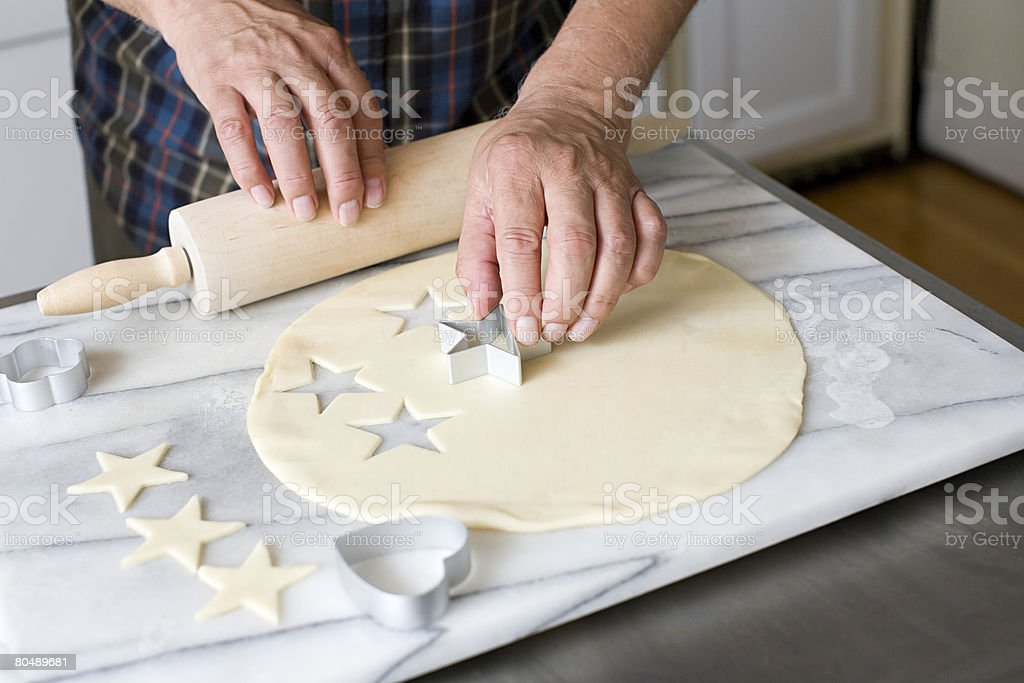 Ein Mann, cookies Lizenzfreies stock-foto