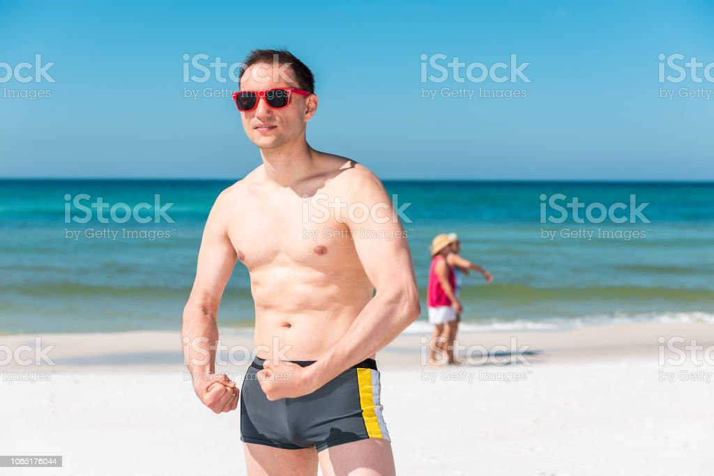 Florida modelli di nudo donne che prendono grossi rubinetti
