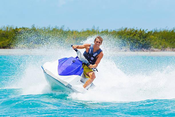 Mann auf einem Jet Ski – Foto