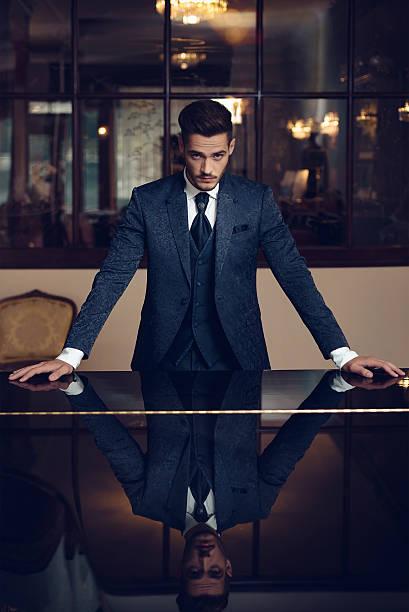 男性 - 豊かなライフスタイル ストックフォトと画像