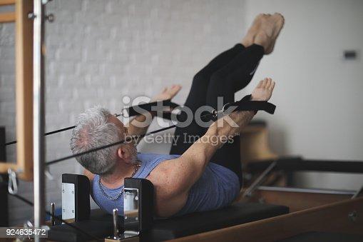 Man pilates reformer exercises