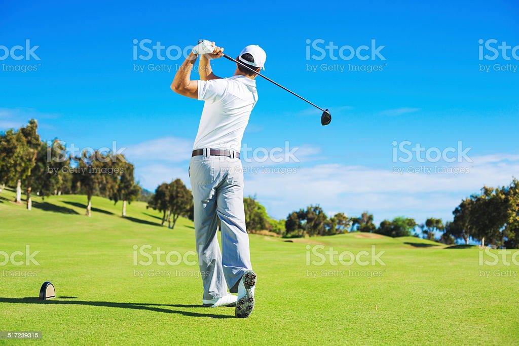 Fotografía de Hombre Jugando Golf y más banco de imágenes de ...