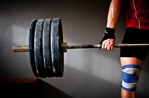 homem prática de musculação iii - musculação com peso - fotografias e filmes do acervo