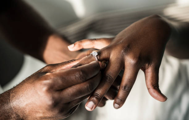Man proposing to his girlfriend Man proposing to his girlfriend engagement ring stock pictures, royalty-free photos & images