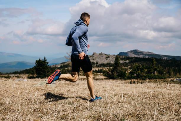 corredor hombre corriendo - foto de stock