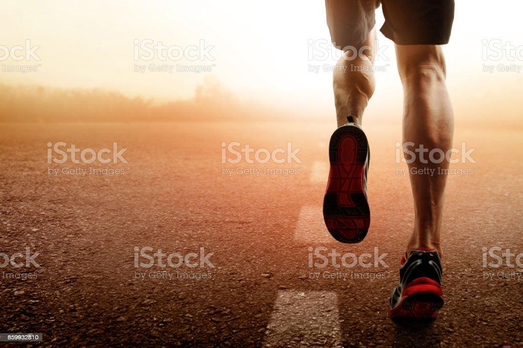 Hombre corriendo - foto de stock