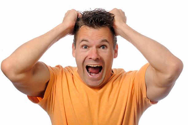 homem screams - puxar cabelos imagens e fotografias de stock