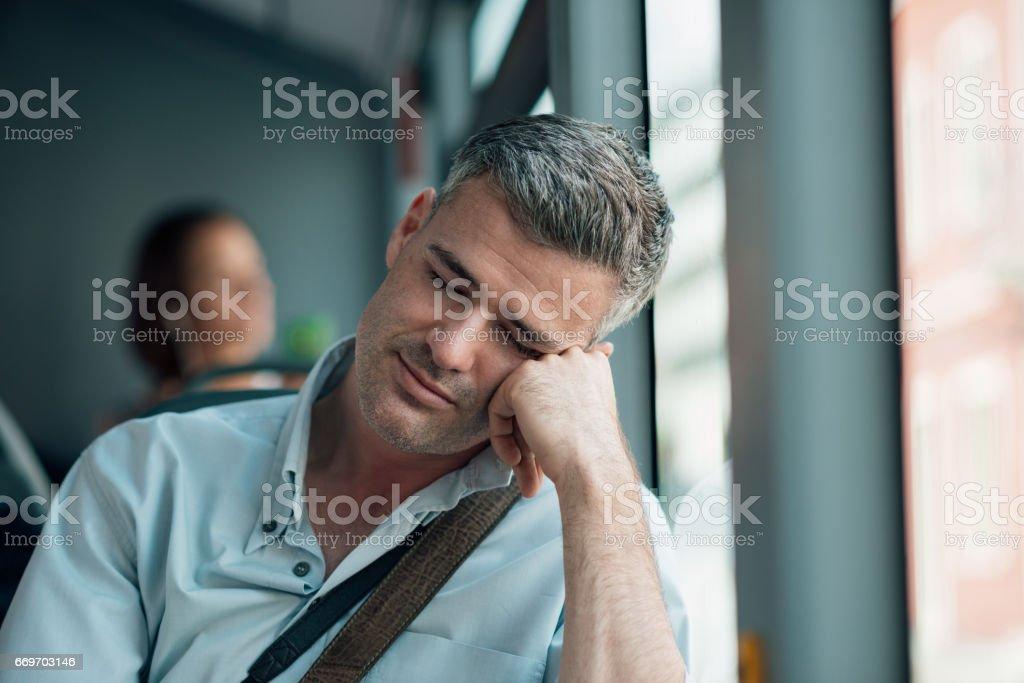Man sleeping on the bus - foto stock