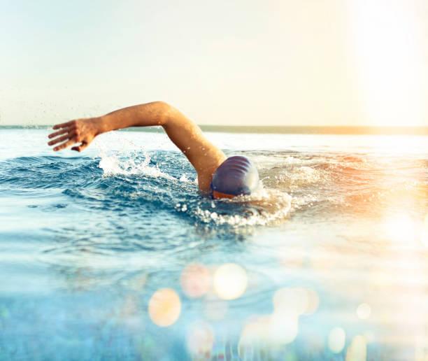 Hombre de Swimming - foto de stock